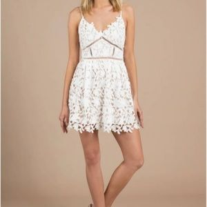 Beautiful Tobi White Lace Dress Size M - NEW
